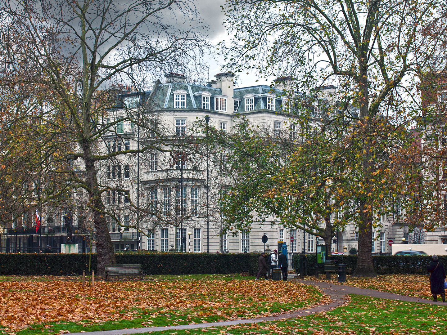 22_grosvenor_square-park_view-cgi