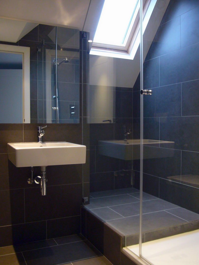 33_fairholme_gardens-photo-dark-shower