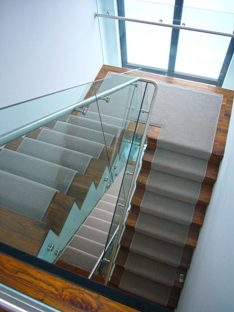 33_fairholme_gardens-photo-stairs