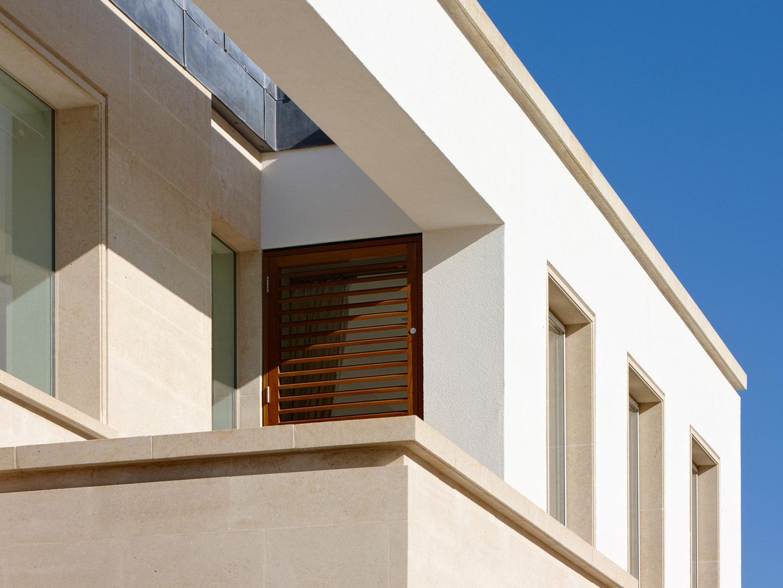laleston_house-front_detail-photo-40